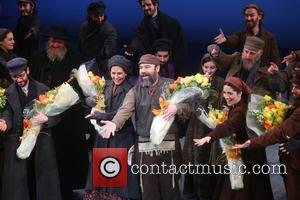 Jessica Hecht, Danny Burstein and Cast