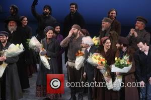 Jessica Hecht, Danny Burstein, Sheldon Harnick and Cast