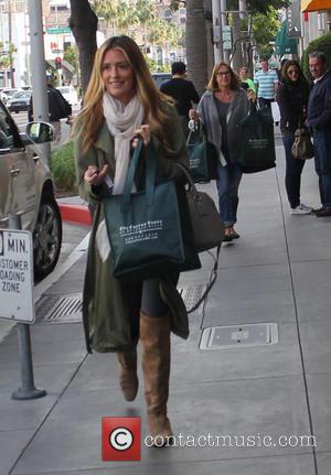 Cat Deeley , Janet Deeley - Pregnant Cat Deeley laden with bags of food shopping from the Cheese Store races...