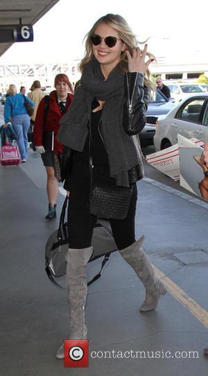 Kate Upton - Kate Upton seen with Justin Verlander and his dog at Los Angeles International Airport (LAX) - Lax,...