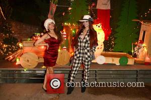 Alicia Arden , Phoebe Price - Phoebe Price and Alicia Arden visit Candy Cane Lane in Woodland Hills to see...