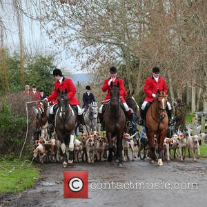 The Old Surrey Burstow , West Kent Hunt - The Old Surrey Burstow and West Kent Hunt gather at Chiddingstone...