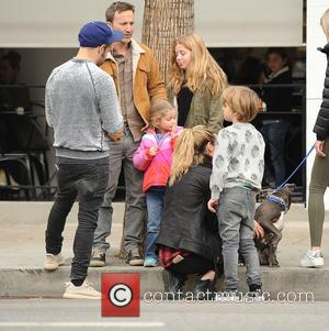 Pete Wentz, Breckin Meyer, Bronx Mowgli Wentz, Clover Meyer and Caitlin Willow Meyer