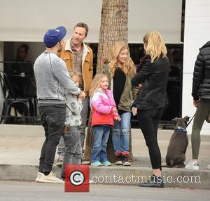 Pete Wentz, Breckin Meyer, Meagan Camper, Clover Meyer and Caitlin Willow Meyer