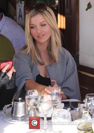 Joanna Krupa - Joanna Krupa having lunch at Il Pastaio with friends at beverly hills - Los Angeles, California, United...
