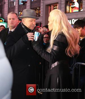 Donnie Wahlberg , Jenny McCarthy - New Years Eve 2016 In Times Square at Times Square - New York, New...