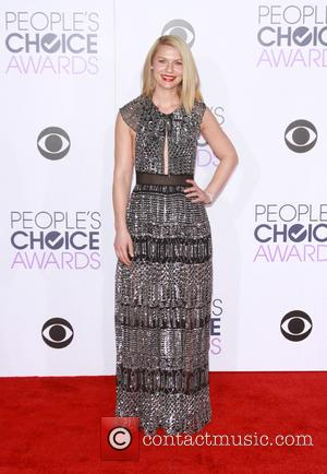 Claire Danes - People's Choice Awards 2016 - Arrivals held at the Microsoft Theatre L.A. Live at Microsoft Theatre L.A....