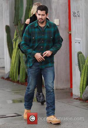 Jesse Metcalfe - Cara Santana and Jesse Metcalfe out in Beverly Hills with a friend - Los Angeles, California, United...