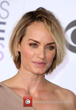 Amber Valletta - People's Choice Awards 2016 held at the Microsoft Theatre L.A. Live - Arrivals at Microsoft Theater, People's...