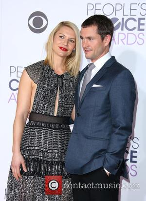 Claire Danes , Hugh Dancy - People's Choice Awards 2016 held at the Microsoft Theatre L.A. Live - Arrivals at...
