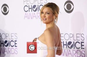 Kate Hudson - People's Choice Awards 2016 held at the Microsoft Theatre L.A. Live - Arrivals at Microsoft Theatre L.A....