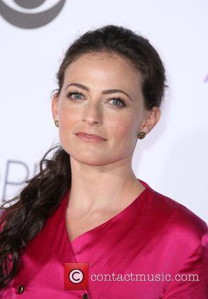 Lara Pulver - People's Choice Awards 2016 held at the Microsoft Theatre L.A. Live - Arrivals at Microsoft Theater, People's...