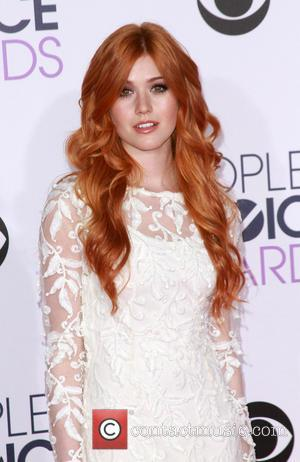 Katherine McNamara - People's Choice Awards 2016 held at the Microsoft Theatre L.A. Live- Arrivals at Microsoft Theatre L.A. Live,...