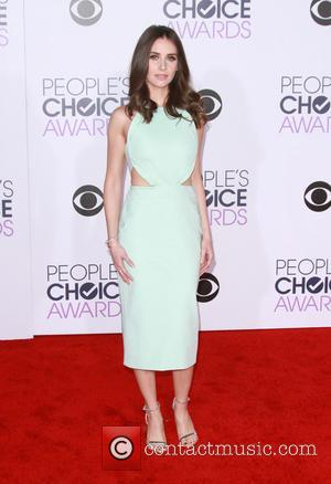 Alison Brie - People's Choice Awards 2016 held at the Microsoft Theatre L.A. Live - Arrivals at Microsoft Theatre L.A....