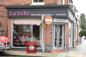 Atmosphere - Selfie Queen Karen Danczuk spotted leaving La Bella Salon in Cheadle after spending 2 hours having a make...