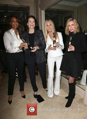 Beverly Johnson, Sherry Lansing, Joan Van Ark and Donna Mills