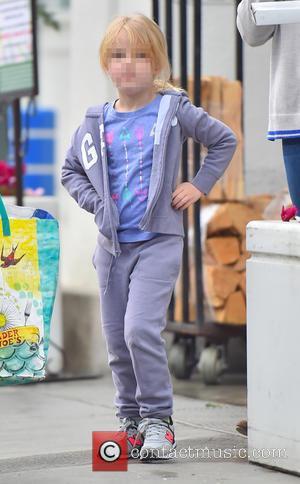 Aviana Le Gallo - Amy Adams and husband Darren Le Gallo treat their daughter Aviana to a takeaway pizza -...