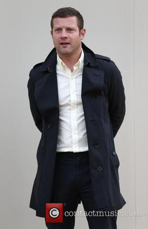 Dermot O'Leary - Burberry Show, London Collections Men, Autumn Winter 2016 - London, United Kingdom - Monday 11th January 2016