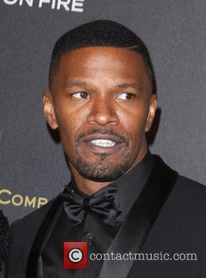 Jamie Foxx Frees Driver From Wrecked Car