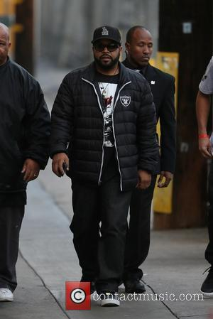 Ice Cube - Ice Cube seen arriving t the ABC studios for Jimmy Kimmel Live at Hollywood - Los Angeles,...