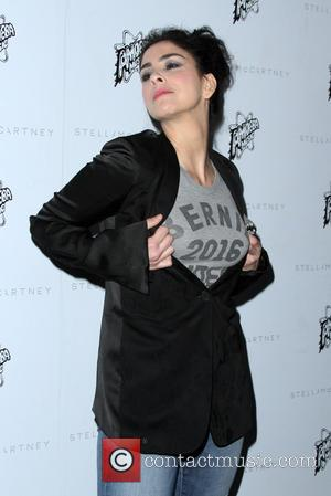 Sarah Silverman - Stella McCartney Autumn 2016 Collection Event held at Amoeba Music Hollywood at Amoeba Music Hollywood - Los...
