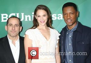 Peter Jacobson, Amanda Righetti and Tory Kittles