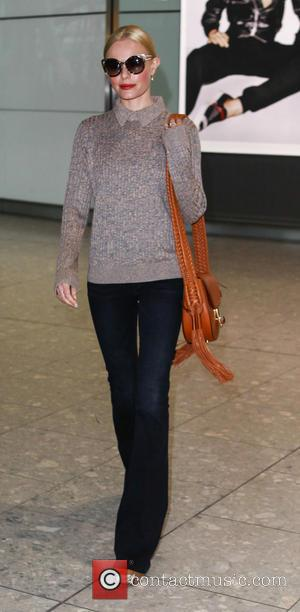 Kate Bosworth - Kate Bosworth arrives at London Heathrow after a flight from Los Angeles - London, United Kingdom -...