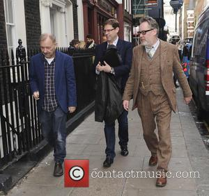 Vic Reeves Bob Mortimer - Vic Reeves and Bob Mortimer attend a photocall ahead of their upcoming UK tour '25...