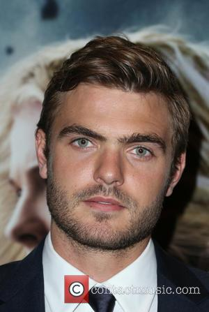 alex roe actor