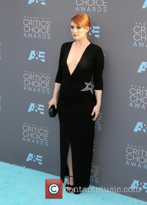 Bryce Dallas Howard - 21st Annual Critics' Choice Awards - Arrivals at Barker Hangar, Critics' Choice Awards - Santa Monica,...