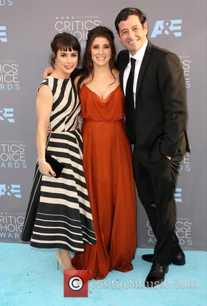 Constance Zimmer, Shiri Appleby and Guest