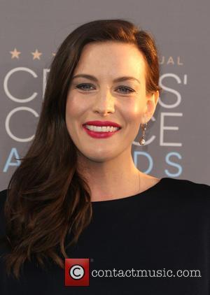 Liv Tyler Pushes Back Wedding Plans For Pregnancy