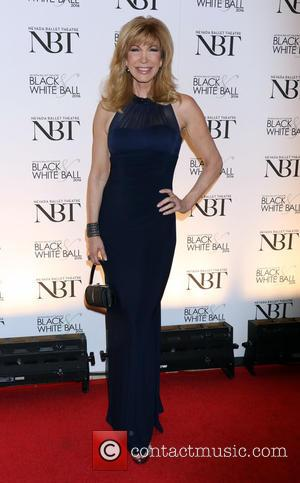 Leeza Gibbons - Oliovia Newton John is honored as the 2016 Woman of the Year at the 32nd Annual Black...