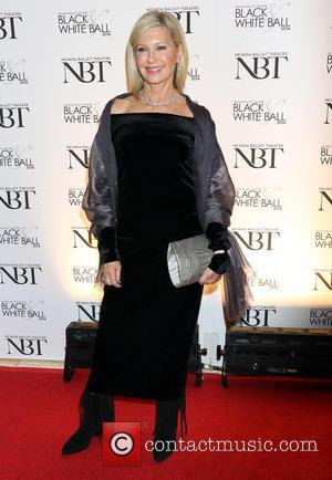 Olivia Newton-John - Oliovia Newton John is honored as the 2016 Woman of the Year at the 32nd Annual Black...