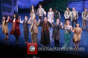 Cast at Lunt-fontanne Theatre,