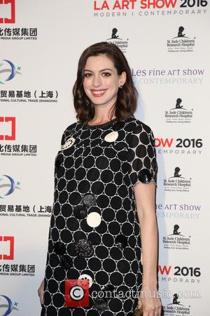 New Mum Anne Hathaway Returns To Red Carpet