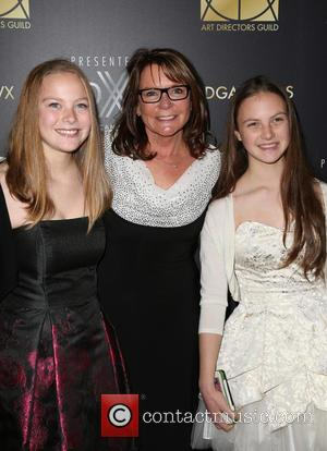 Marcia Hinds and Daughters
