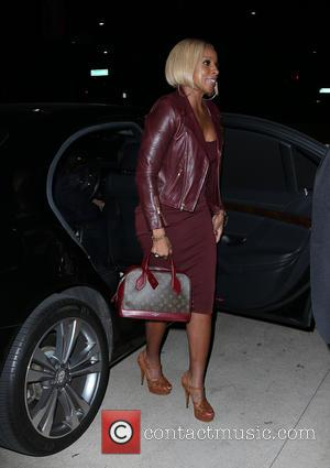 Mary J. Blige - 'Freeze Frame' Gala and Architects of Change - Arrivals at The Wallis Annenberg Center for the...