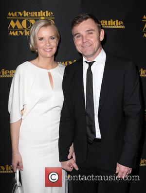 Ricky Schroder Responds To Wife's Divorce Filing With Handwritten Paper