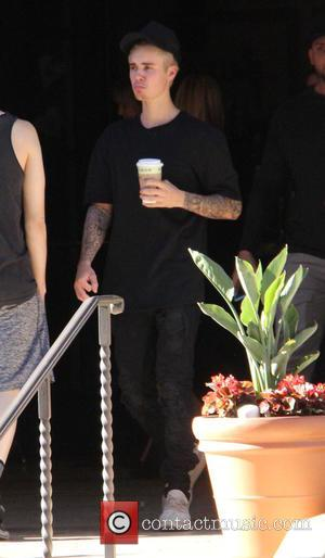 Justin Bieber - Justin Bieber gets coffee in Beverly Hills at beverly hills - Beverly Hills, California, United States -...
