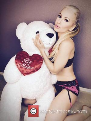 Ana Braga - Ana Braga gets ready for Valentines Day - Beverly Hills, California, United States - Wednesday 10th February...