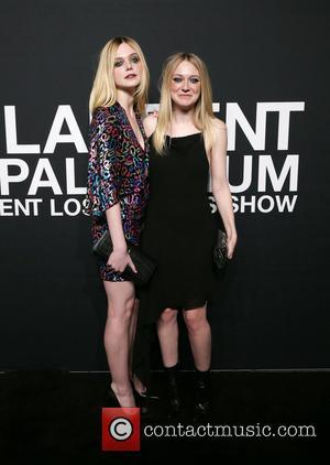 Elle Fanning and Dakota Fanning