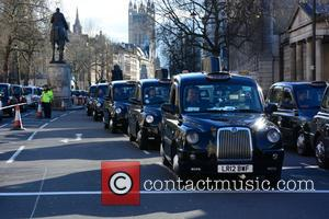 London Taxi Strike London comes to a standstill as 8 thousand taxis take to the streets on a 'go slow'...