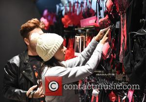 Imogen Townley - 'Ibiza Weekender' star Imogen Townley goes underwear shopping at Ann Summers in Manchester, ahead of Valentine's Day...