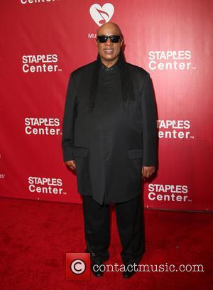 Stevie Wonder Pays Tribute To 'Great' Lionel Richie