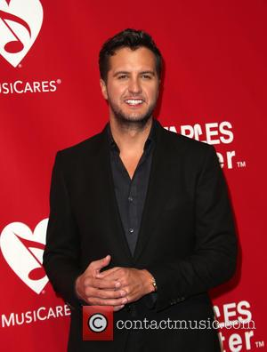 Luke Bryan And Jason Derulo Teaming Up For Cmt Crossroads