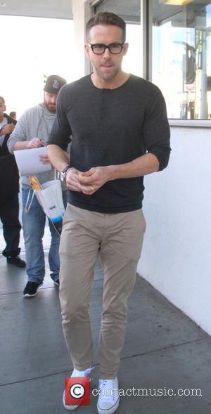 Ryan Reynolds - Ryan Reynolds leaving E Baldi restaurant after having lunch with a friend in Beverly Hills - Hollywood,...