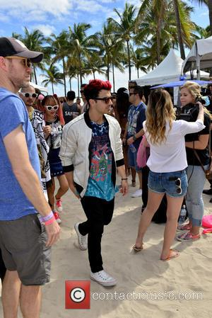 Joe Jonas - 7th annual Model Volleyball Tournament for South Beach Supremacy to benefit The Irie Foundation at Lummus Park,...