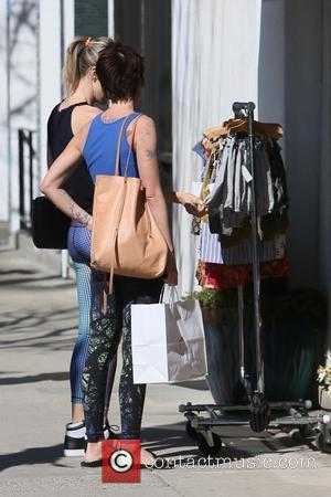 Lena Headey - Lena Headey seen leaving Jill Roberts clothing store after shopping with a friend. - Los Angeles, California,...