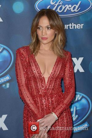 Jennifer Lopez Forgets American Idol Mentor's Name